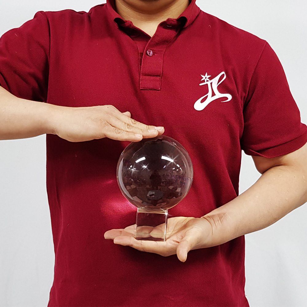 크리스탈볼(직경12cm)받침포함(Crystal Ball 12cm in diameter with base)